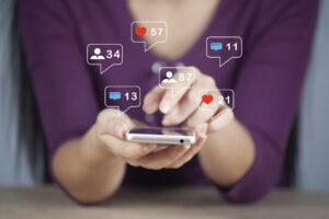 concept using smartphone social media